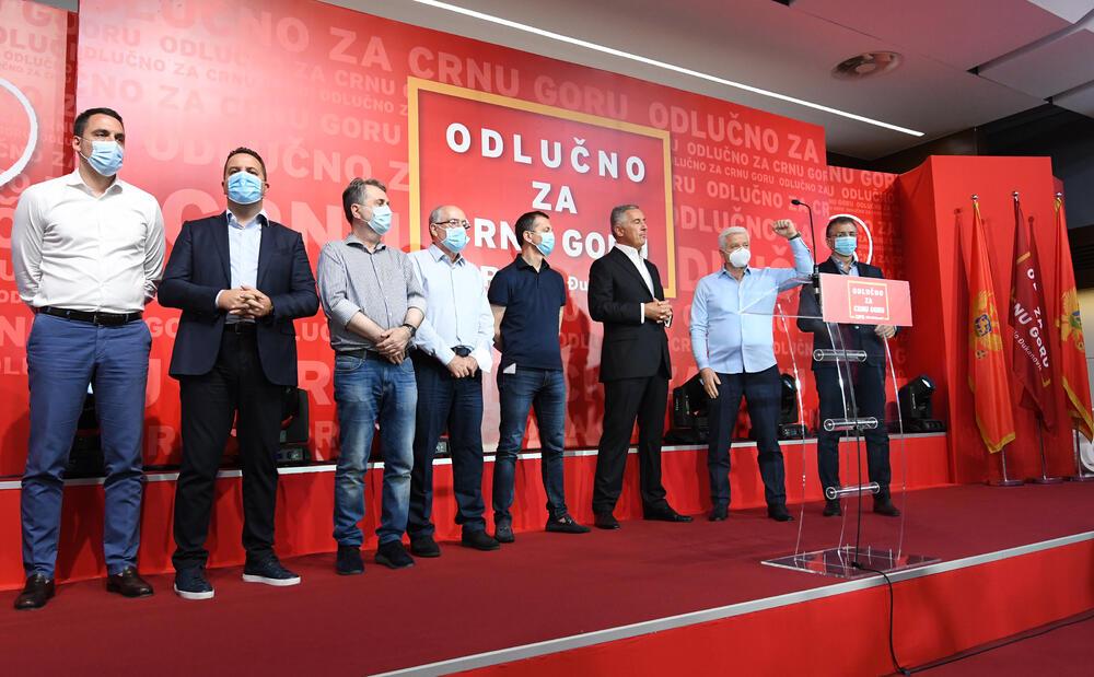 Crnogorska opozicija proglasila pobjedu